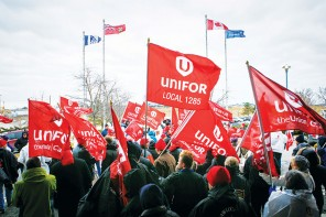 Hundreds rally at  Pearson airport against  layoffs and pay cuts