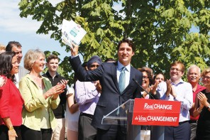 Trudeau says a Liberal government would put a price on carbon pollution