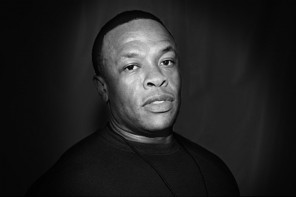 'Compton' by Dr. Dre top album on iTunes in Canada