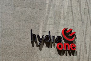 Growing number of Ontario municipalities oppose sale of Hydro One